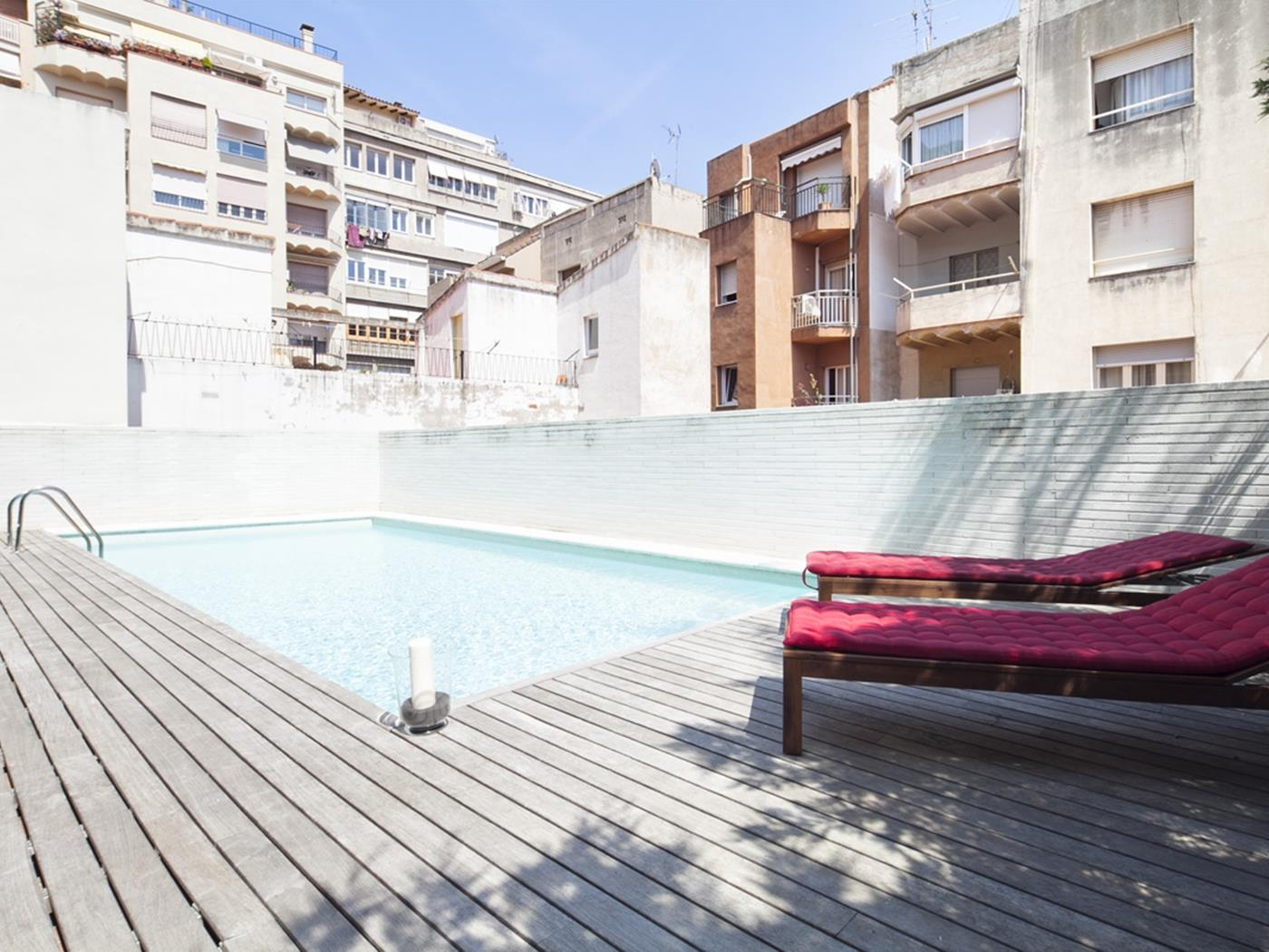 Duplex with Swimming Pool near City Center for 8 - My Space Barcelona Aпартаменты
