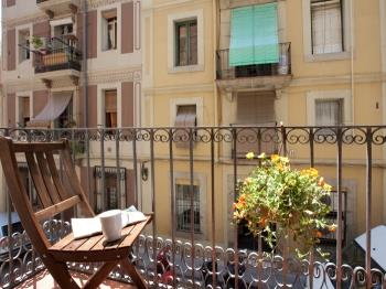 Bright apartment with a sunny balcony close to the
